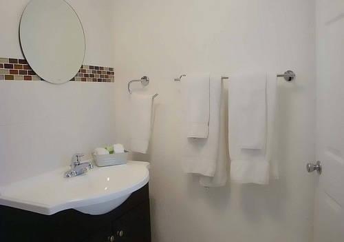 фото The Cabanas Guesthouse & Spa - Gay Men`s Resort 969521622