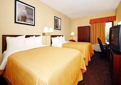 фото Quality Inn & Suites Elk Grove/O`Hare 969543868