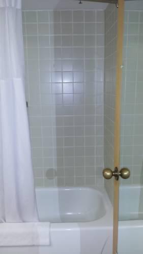 фото Quality Inn & Suites Elk Grove/O`Hare 969543873