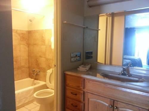 фото America`s Best Inn & Suites Clarksville 969545798