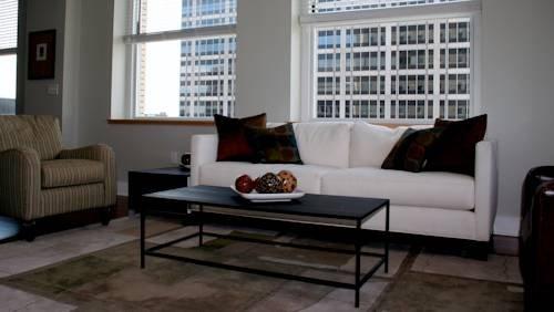 фото 909 Walnut Apartments by Execustay 969563240