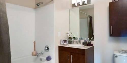 фото The McQueen - Corporate Apartment 969571148