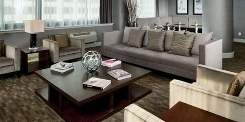 фото The McQueen - Corporate Apartment 969571151