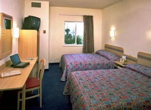фото Motel 6 Raton 969573322