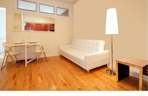 фото Upper East Side Beautiful 2 Bedroom 969579597