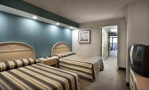 фото Captain`s Quarters Resort 969650740