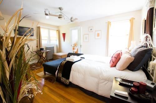 фото Anastasia`s Bed & Breakfast 976454066