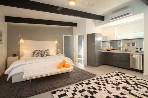 фото Mid-Century Luxury Estate 979746545
