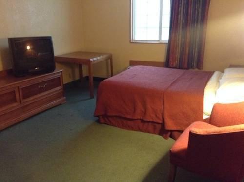 фото Economy Inn Fort Wayne 979975506