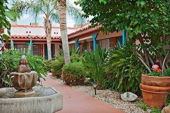 фото Casitas Laquita - A Women`s Resort 983155499